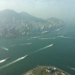 ホテルの窓から撮影。 船が行き交う姿が 香港らしくて、素敵ですね。