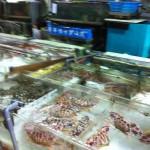 香港の魚屋さん 新鮮な魚介類が、 沢山の種類あります。