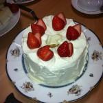 シフォンケーキ 作って、生クリーム 塗ってみました。