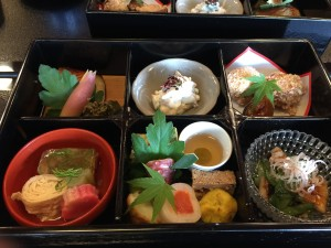 菊の井のしぐれ飯弁当 完璧に美味しいです